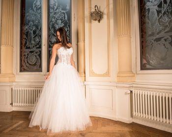 půjčovnách svatebních šatů